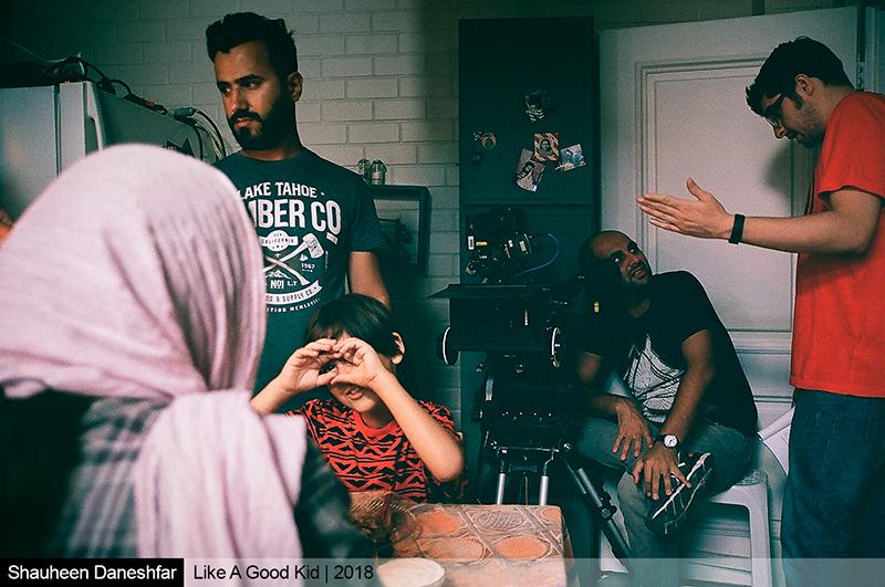 عکسهای پشت صحنه فیلم کوتاه «مثل بچه آدم» به کارگردانی آرین وزیردفتری